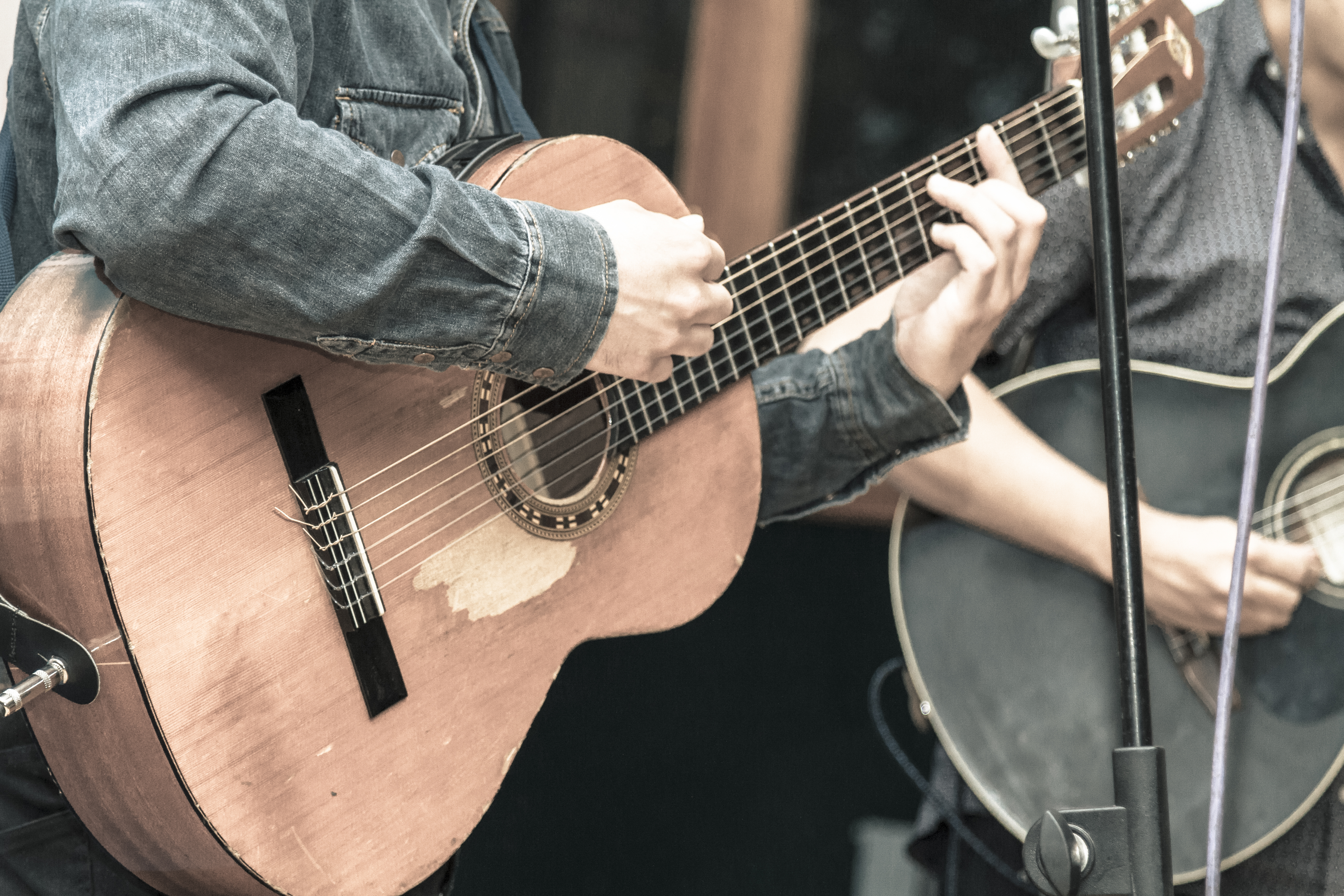 Live Acoustic Music (Daily)